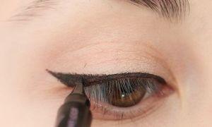 Как правильно красить глаза используя подводку