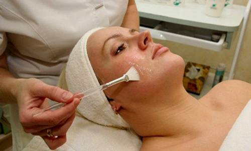 глубокое очищение лица у косметолога