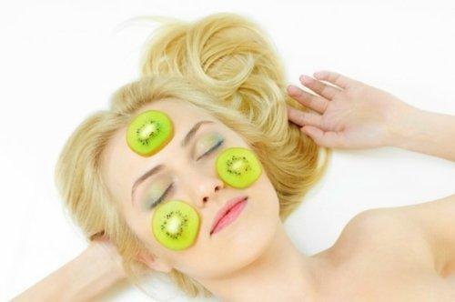 питательная фруктовая маска для девушки