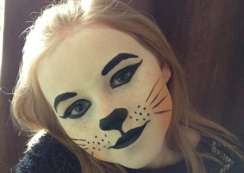 кошачий образ на Helloween