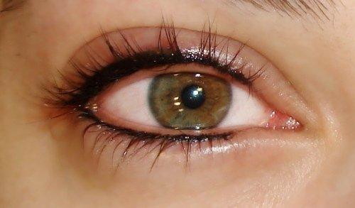 глаз сразу после процедуры перманентного макияжа