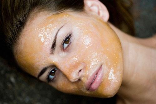 проведение процедуры по очистке кожи