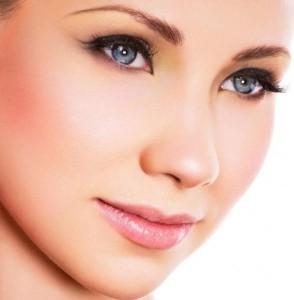 идеальные формы лица с макияжем нюд