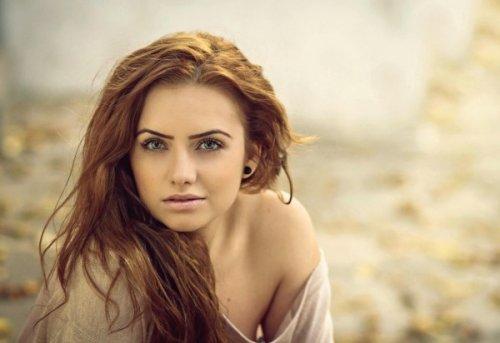девушка тёплого цветового типа