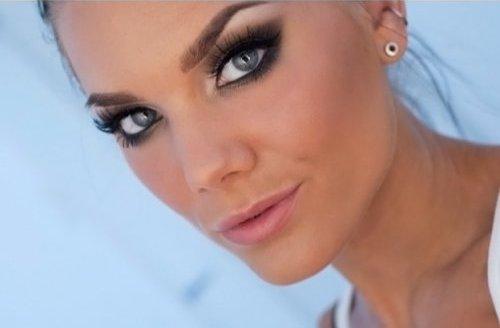 Макияж смоки-айс для серых глаз. Техника дымчатого макияжа