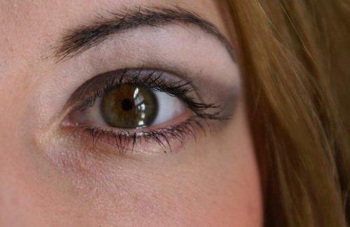 тени на карих глазах