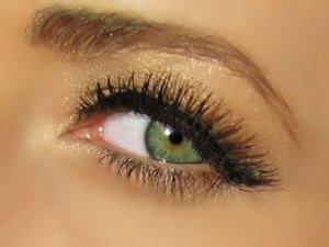 золотой оттенок к зеленым глазам