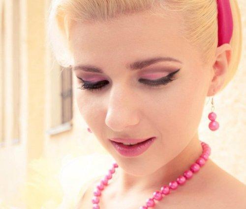 розовые тени в макияже стиляг