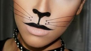 нос и губы рисуют чёрным цветом