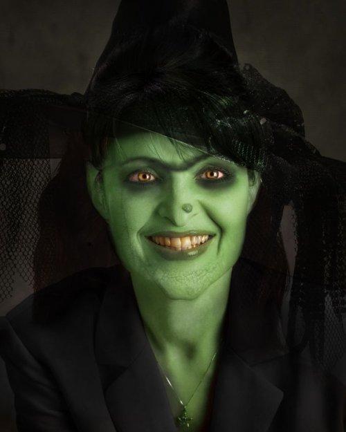 зелёное лицо и нос с бородавкой в макияже