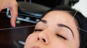 процедура удаления волосков в салоне
