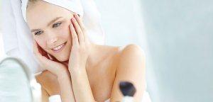 поры жирной кожи должны очищаться каждый вечер