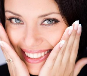 легкий макияж серых глаз