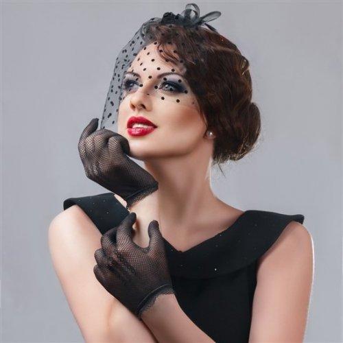 чёрная шляпка с вуалью