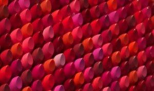 декоративная косметика разных цветов