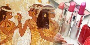 древнее изображение женщин с косметикой