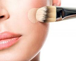 Как правильно наносить на лицо тональный крем