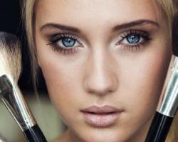 Пошаговые инструкции макияжа для нависшего века: дневной, вечерний и смоки айс